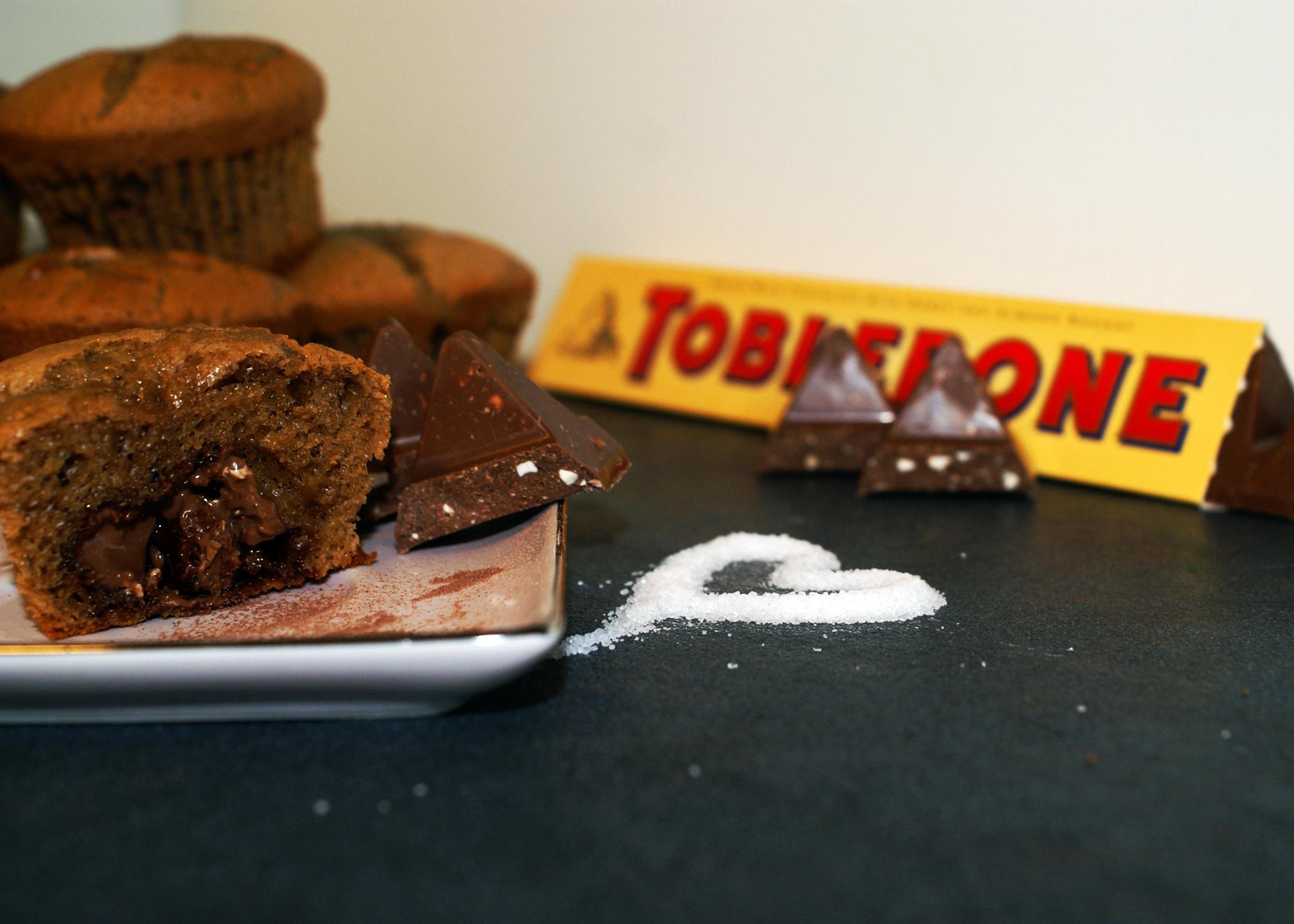 tobleronemuffins mit fl ssigem kern sugarheaven. Black Bedroom Furniture Sets. Home Design Ideas