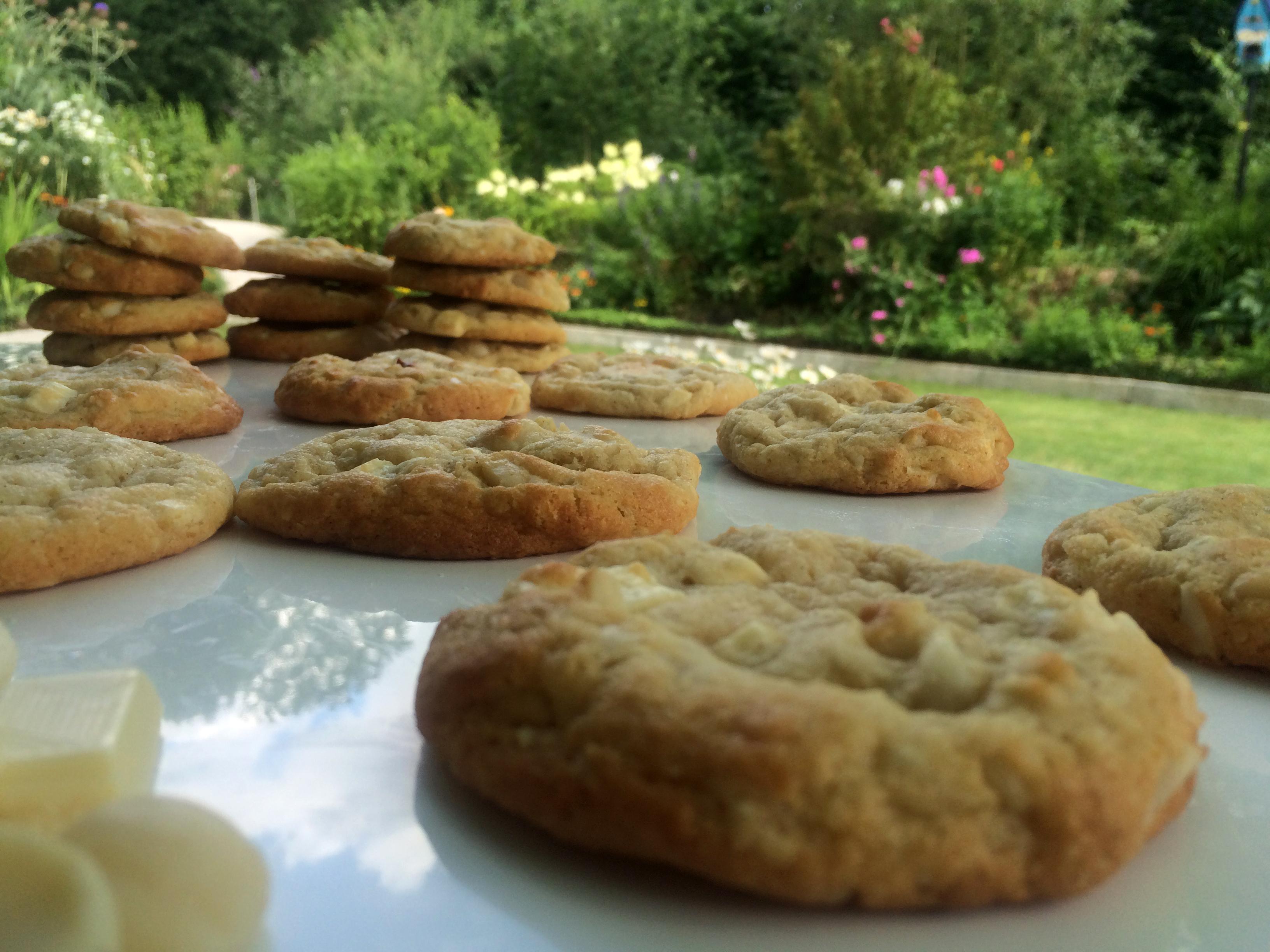 weisse schokolade macadamia cookies sugarheaven. Black Bedroom Furniture Sets. Home Design Ideas